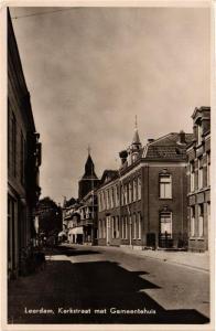 CPA Leerdam, Kerkstraat met Gemeentehuis. NETHERLANDS (714000)