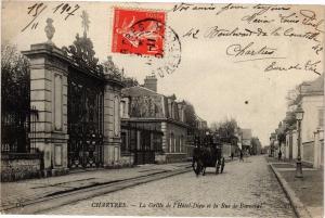 CPA Chartres  La Grilie de l'Hotel-Dieu et la Rue de Bonncial   (178557)