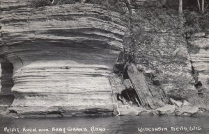 WISCONSIN DELLS , 1930-40s ; Pulpit Rock & Baby Grand Piano Rock Formations