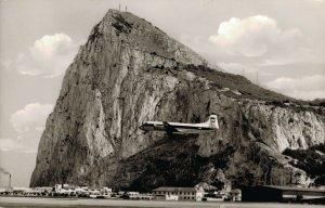 Gibraltar Viscount taking off at Gibraltar RPPC 03.36