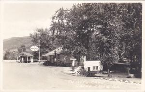 RP: IMPERIAL Gas Station , TU Auto Camp , Cache Creek , B.C. , Canada , 20-30s