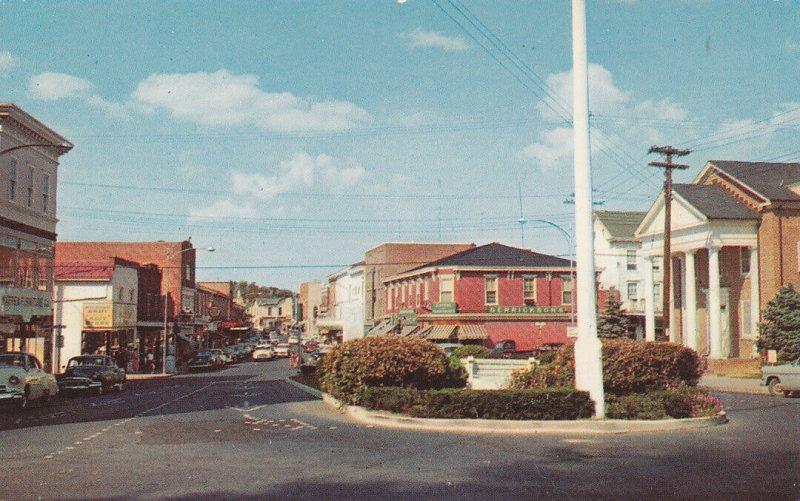 MILFORD, Delaware, 1940-60s; Walnut Street Looking North, Classic Cars
