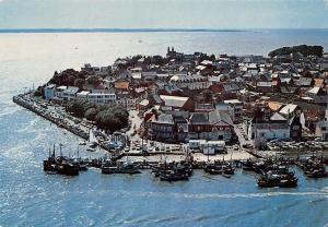 France La Cote d'Opale, Le Crotoy Vue Generale et le Port de Peche Bateaux