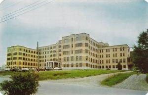 Hotel Dieu Hospital , EDMUNDSTON , New Brunswick , Canada , 40-60s