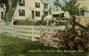 MA - Newburyport. Country Scene on Old Town Road