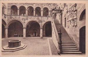 Italy Firenze Cortile e scala del Palazzo del Podesta