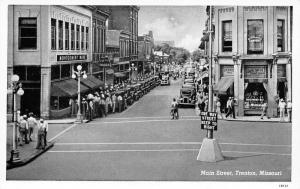 Trenton Missouri~One Way Main Street~Montgomery Wards~Jack Sprat Food Store~1941