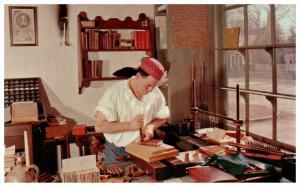 17437  VA Williamsburg  Bookbinder Shop and craftsman