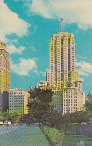 Illinois Chicago Drake Hotel And Palmolive Building North Michigan Avenue
