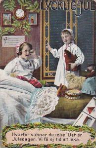 Lycklig Jul, Girls anxious for Christmas day wake up in middle of the night, ...