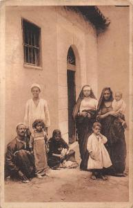 Egypt: A Native Family, Famille indigene