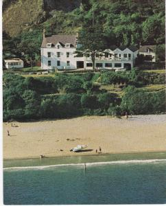 Post Card Wales Glamorgan  Horton, Gower Sea Beach Hotel
