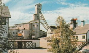 BC; Con Mine , YELLOWKNIFE , N.W.T. , Canada , 50-60s