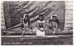 Tonga Girls Making Tapa Cloth New Zealand Tongan RPC Postcard