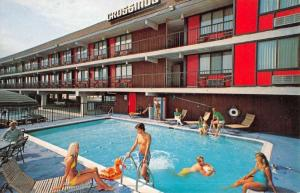Ocean City New Jersey Crossings Motor Inn Pool View Vintage Postcard K52229