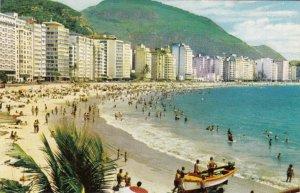 P1962 vintage varig airlines postcard people Copacabana Beach in Rio de Janeiro