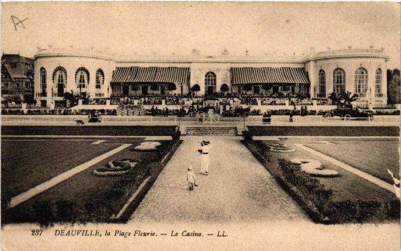 CPA AK DEAUVILLE La Plage Fleurie - Le Casino (515628)