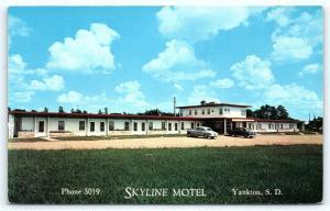 Postcard SD Yankton Skyline Motel 1950's Old Cars R50