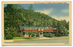 M & O Tea Room Wishing Well Gatlinburg Tennessee linen postcard