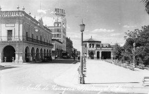 RPPC Calle de Zaragoza, Hotel Monterrey, NL Mexico Street Scene Vintage Postcard