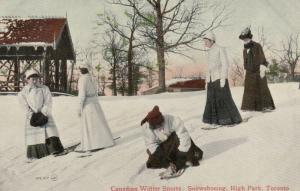 TORONTO, Ontario , 1909 ; Women snowshoeing , High Park