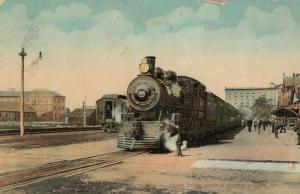 LONDON, 1900-10s ; Train at Grand Trunk Railroad Station