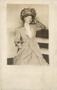 1907-1915 RPPC Potrtrait of Beautiful Flirty Girl in Huge Hat, Unposted
