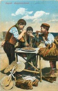 Napoli costumes spaghetti pasta food macaroni broom seller mangia maccheroni