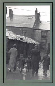 Nostalgia Postcard Newcastle Family, Life on the Dole 1939 Repro Card NS57