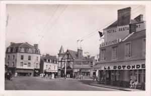 RP: PARAME , France , 30-40s ; Carrefour Rochebonne