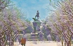 Chile Punta Arenas Plaza Munoz Gamero Nevada Monumento a Hernando de Magallanes