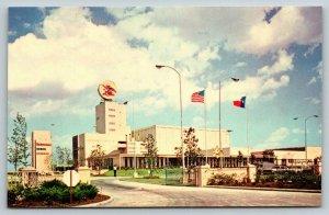 Houston Texas~Anheuser Busch Brewery~Budwesier Beer Bottling Plant~1970 Postcard