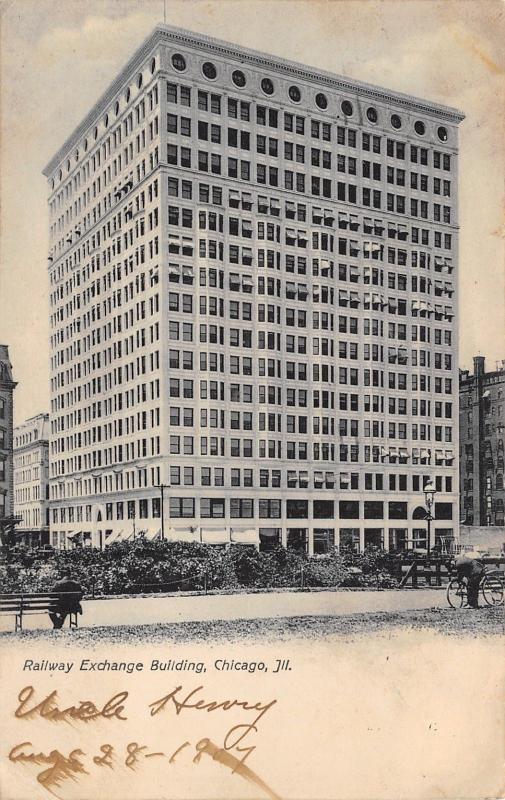 Chicago Illinois~Railway Exchange Building~Cannon~Man on Bench~1907 B&W Postcard