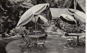OSSINING , New York, 50-60s ; Kitchawan Tavern Dining Terrace