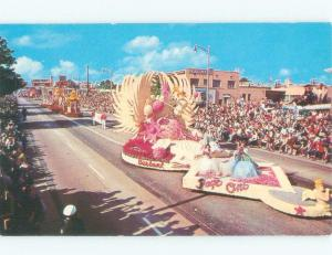 Pre-1980 FLOATS IN TOURNAMENT OF ROSES PARADE Pasadena - Los Angeles CA E7240