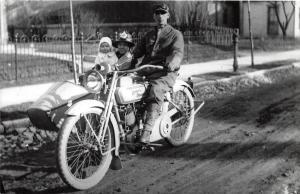 MOTORCYCLE Real Photo RPPC Postcard Reprint C1980 HARLEY DAVIDSON Sidecar M71