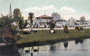 CHRISTCHURCH, New Zealand; Victoria Square, 00-10s