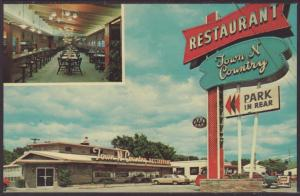 Town and Country Restaurant,Sioux Falls,SD Postcard