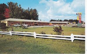 NORTH BAY, Ontario, Canada, 1940-60s; Pine Hill Motel, Classic Cars
