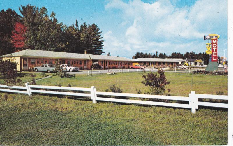 NORTH BAY, Ontario, Canada, 1940-60s; Pine Hill Motel, Classic Cars