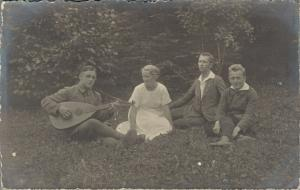 Group Picture Early Playing Guitar 02.72