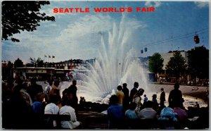 1962 SEATTLE WORLD'S FAIR Official Postcard International Fountain / WF Stamp