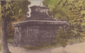 The Mausoleum Tomb of Arthur Middleton,Middleton Place Gardens,Charleston,Sou...