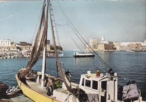 France Marseille Le Fort Saint-Jean et la Sortie Vieux Port