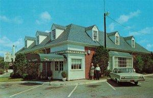 Old Chevy Impala Car at Lafayette Restaurant Williamsburg, Va. Postcard 2T5-16