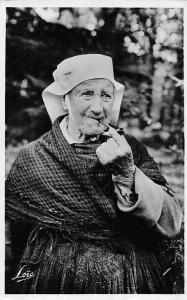 Une bonne Pipee, Old Woman, Pipe 1951