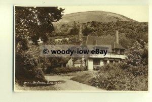 tp8340 - Hants - Quaint Cottage on the Green, at Bossington -  postcard