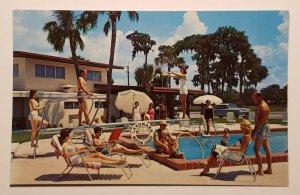Landmark Motor Lodge & Howard Johnson's Restaurant, Winter Haven, Fl. Postcard