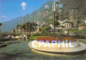 Postcard Modern ANDORRA LA VELLA Pla�a del Poble