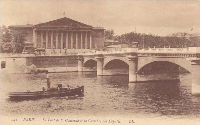 Le Pont de la Concorde et la Chambre des Deputes.,  Paris, France, 00-10s